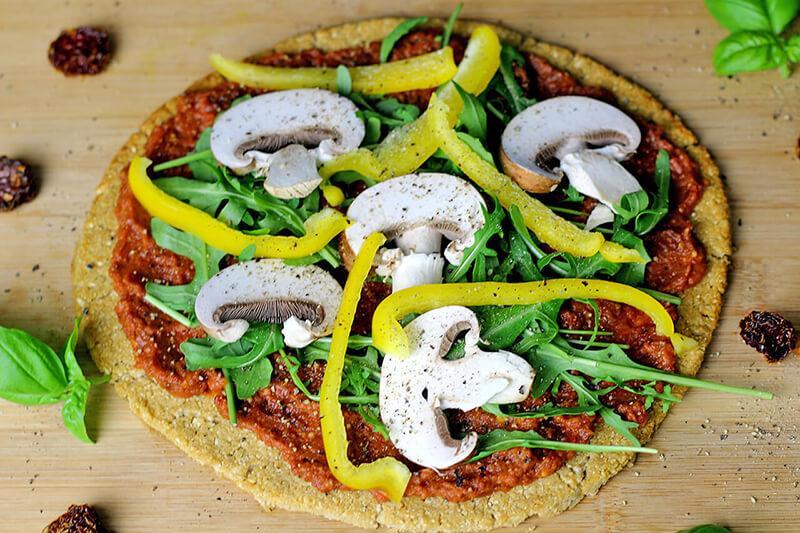 Vegane Blumenkohl Pizza - lecker, glutenfrei & gesund