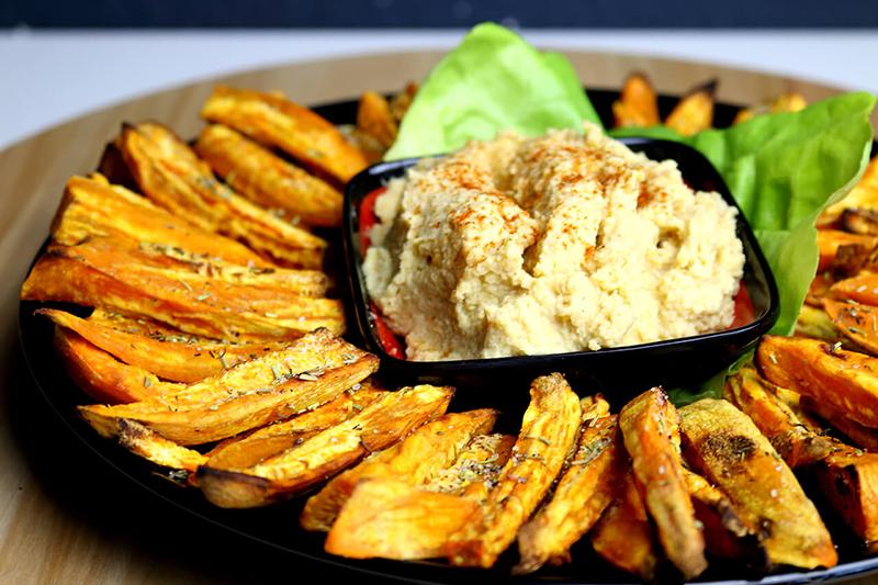 Leckere Süßkartoffel Pommes aus dem Ofen - einfach und gesund