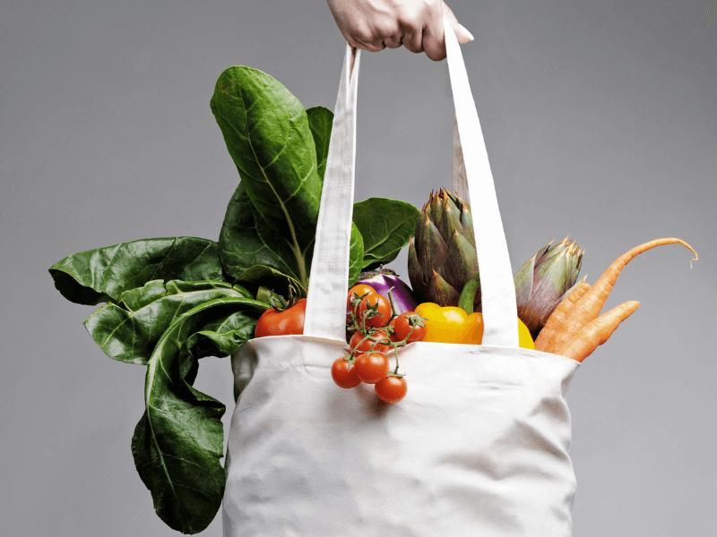 Vegan einkaufen: Inspiration für deinen Vorratsschrank + Einkaufsliste