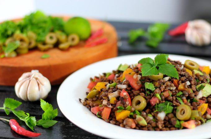 Schneller veganer Linsensalat - einfach, lecker und gesund!