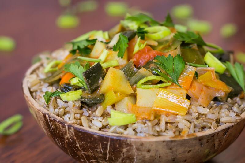 Einfaches veganes Lauch Curry - lecker & gesund