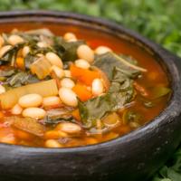 Veganer Bohneneintopf mit Mangold – einfach, lecker & gesund