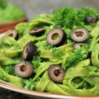 Veganes Grünkohl Pesto mit Petersilie - einfach, lecker & gesund