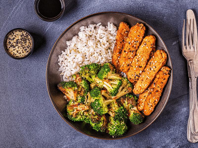 Proteinmangel durch vegane Ernährung? Was du über pflanzliches Eiweiß wissen solltest!