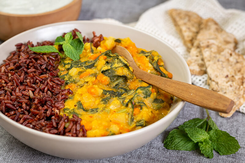 Einfaches veganes Rote Linsen Curry – lecker & gesund!