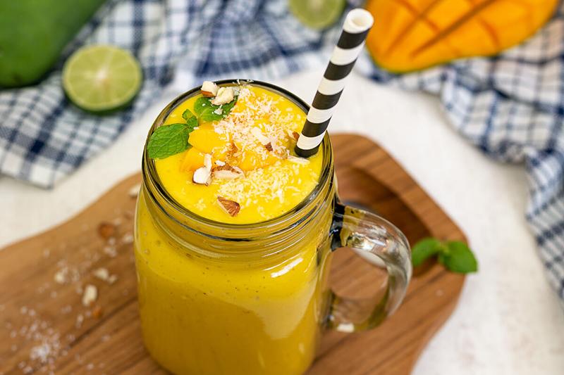 Cremiger Mango Lassi – vegan, gesund & lecker!