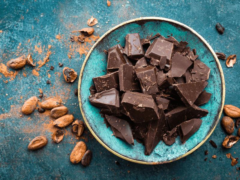 10 köstliche vegane Rezepte mit Schokolade - zuckerfrei!