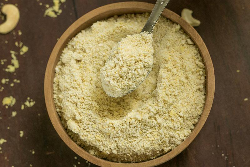 Veganer Parmesan - pflanzliche Alternative (gluten- und sojafrei)