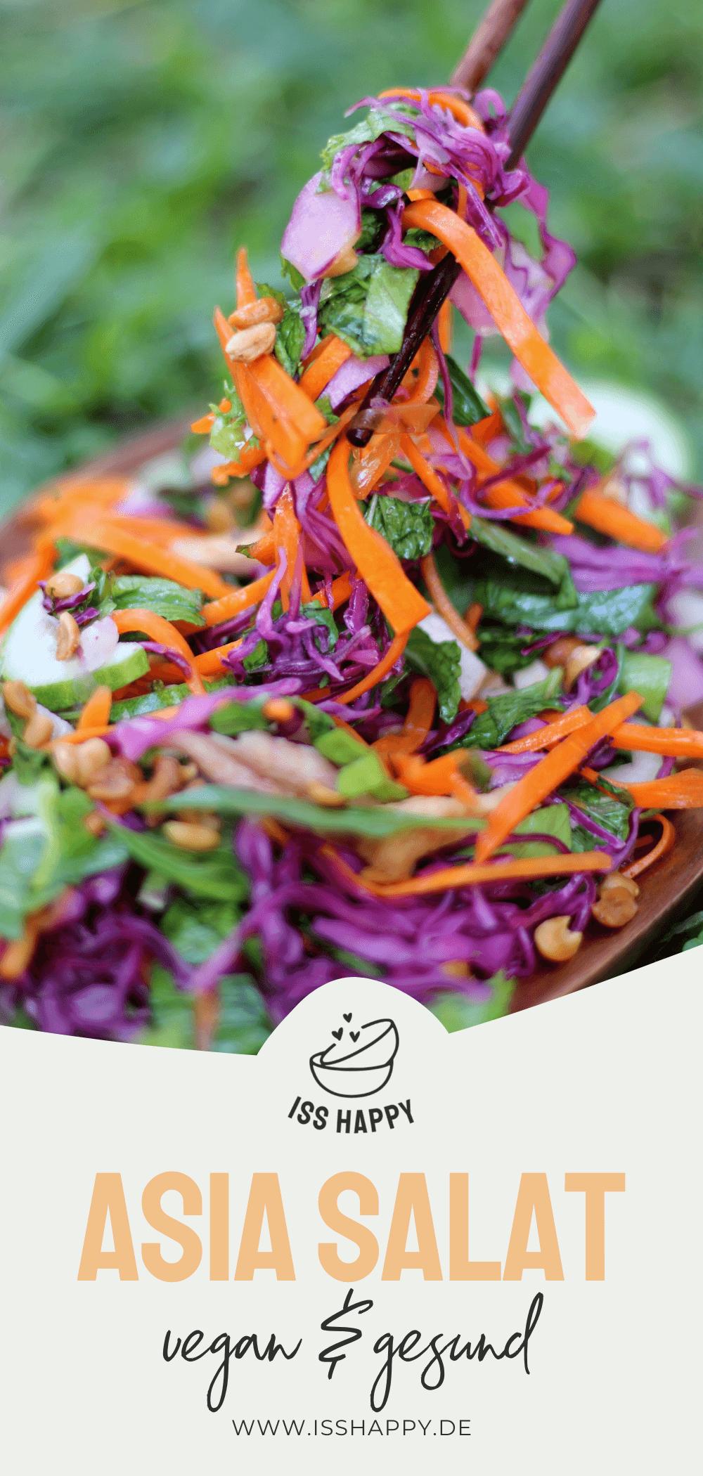 Köstlicher veganer Asia Salat mit Minze und Erdnüssen